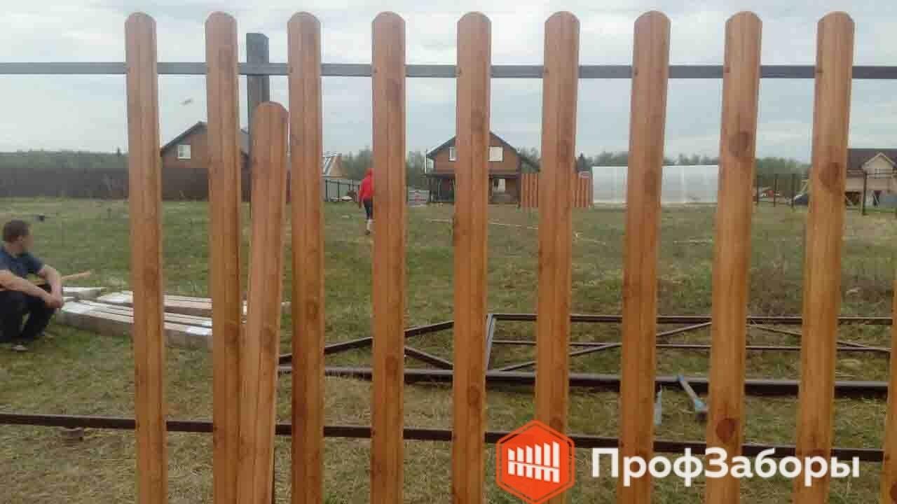 Заборы Из евроштакетника - Волоколамский район. Фото 2