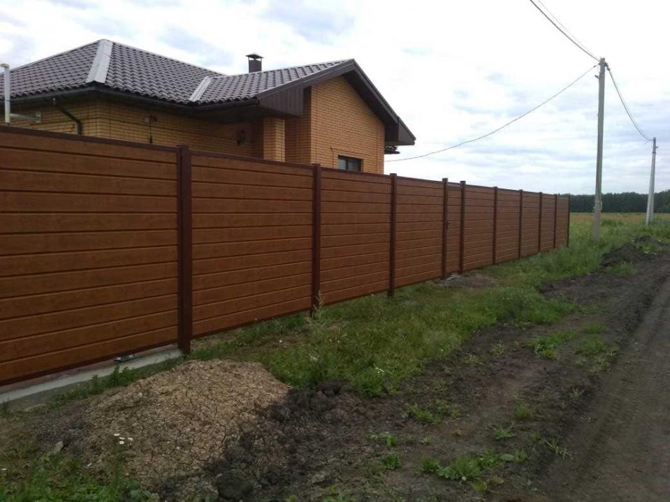 Как построить забор из сайдинга своими руками