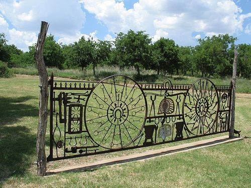 кованый забор это красиво